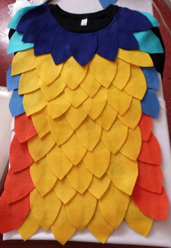 DIY kevin felt feathers shirt